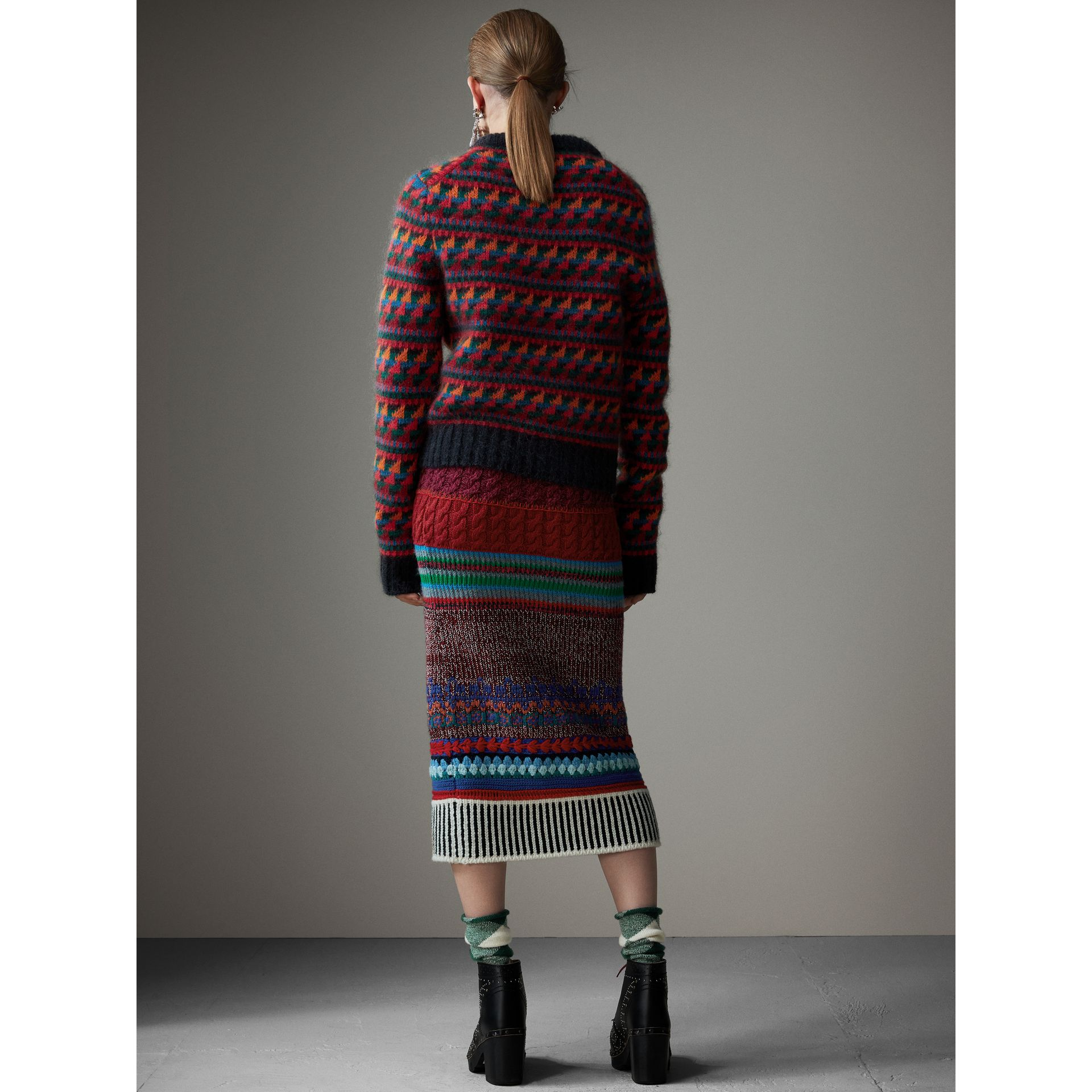 Hand-crocheted Detail Cashmere Wool Blend Skirt in Multicolour - Women | Burberry United Kingdom - gallery image 2