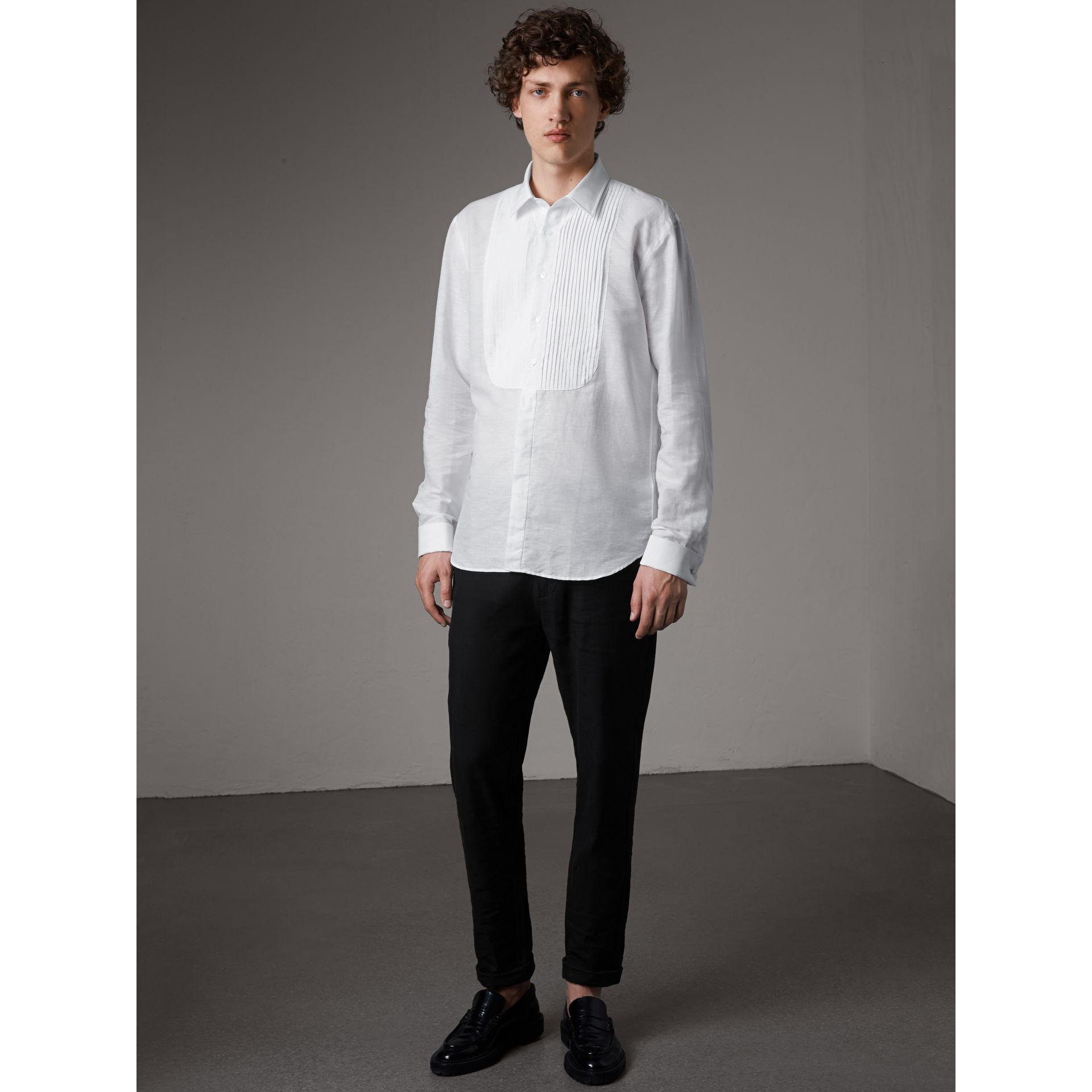 Modern Fit Linen Cotton Dress Shirt in White - Men | Burberry - gallery image 1