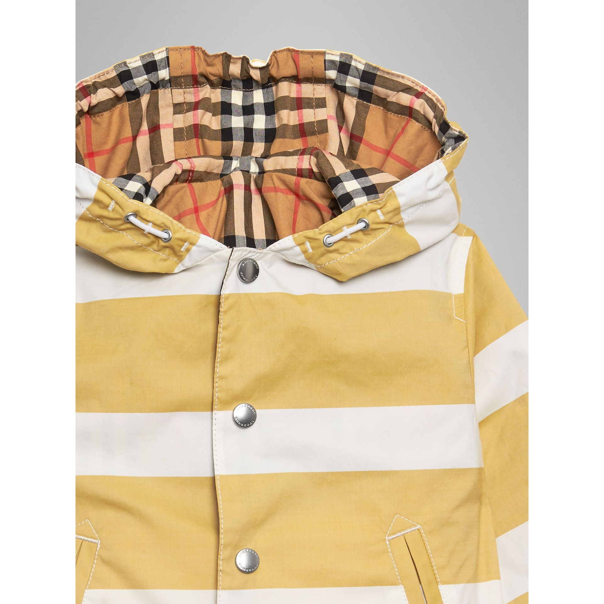 Reversible Stripe and Vintage Check Cotton Jacket in Larch Yellow/whte | Burberry - gallery image 4