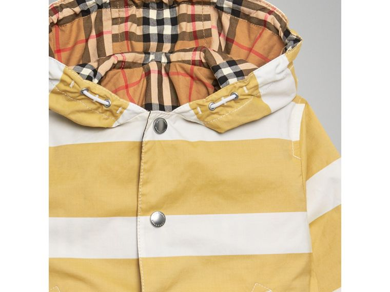 Reversible Stripe and Vintage Check Cotton Jacket in Larch Yellow/whte | Burberry Canada - cell image 4