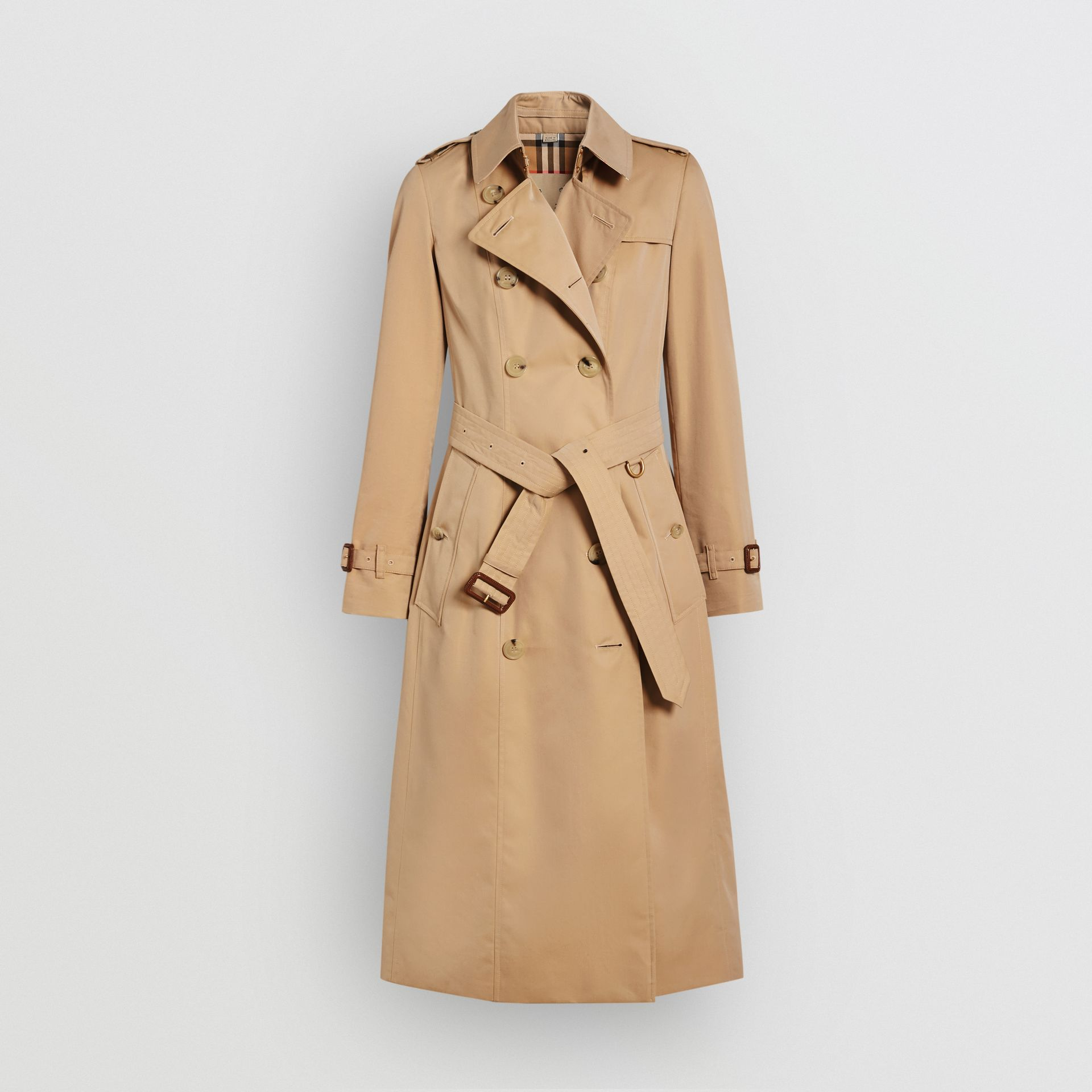 The Long Chelsea Heritage Trench Coat in Honey - Women | Burberry - gallery image 3