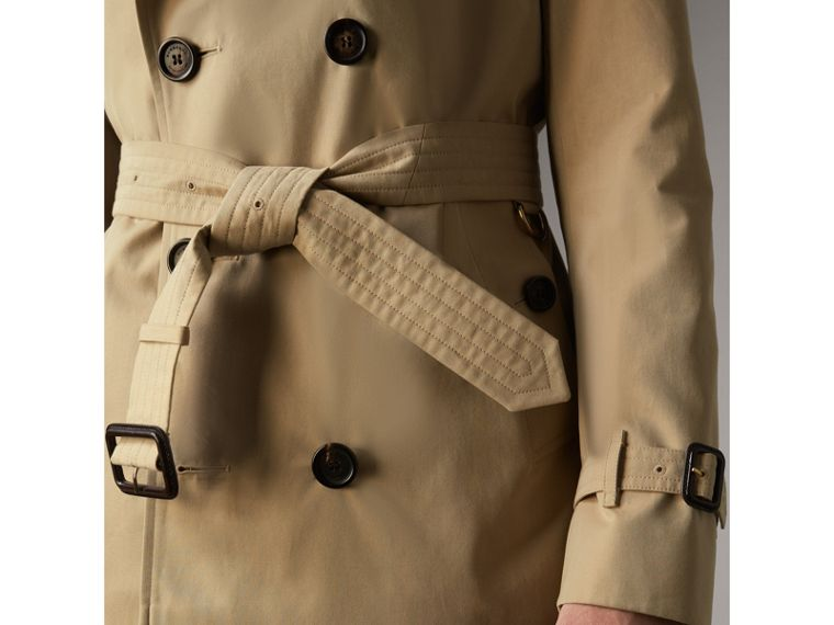 The Sandringham – Short Trench Coat in Honey - Men | Burberry - cell image 4