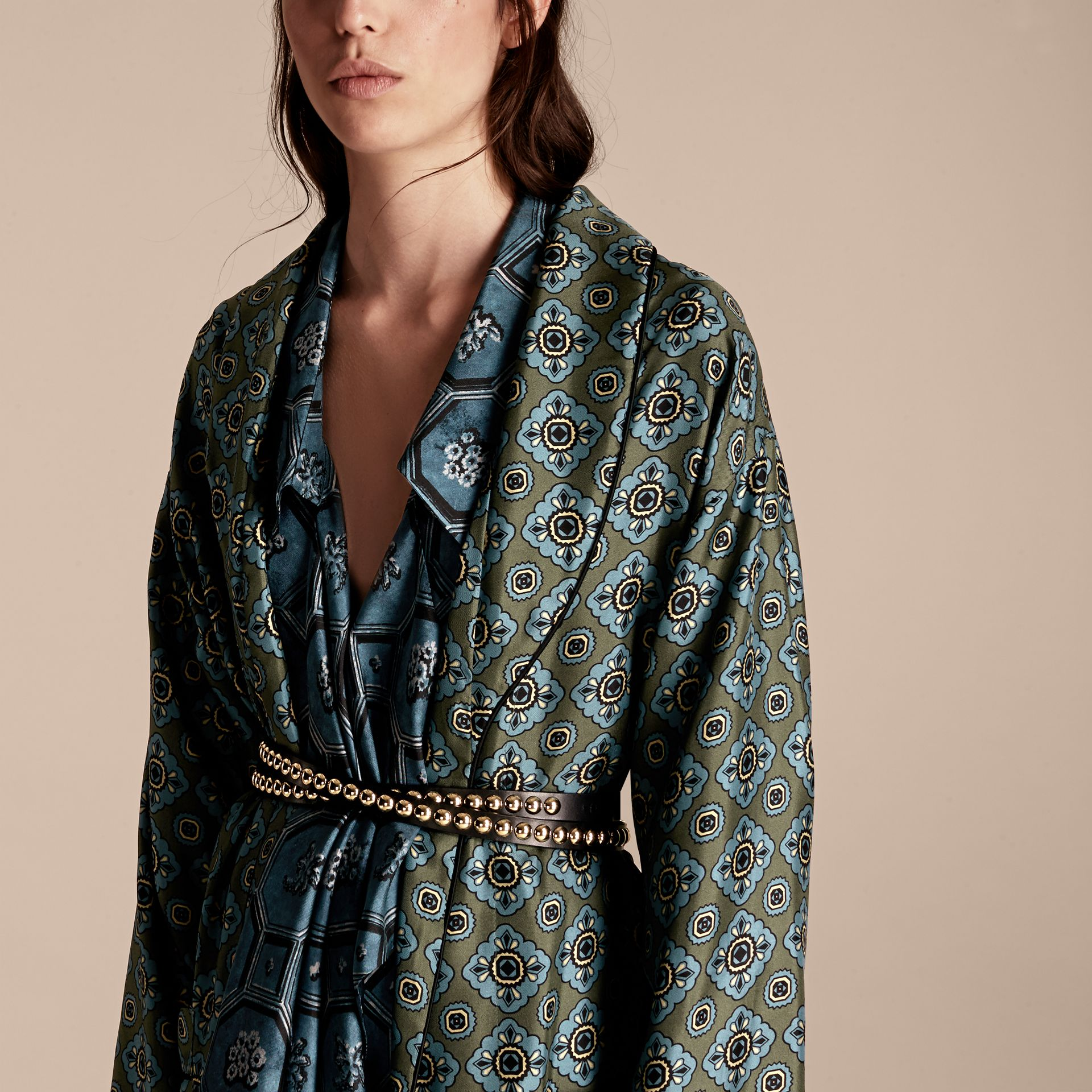 Lawn green Geometric Tile Print Silk Twill Dressing Gown Coat - gallery image 5