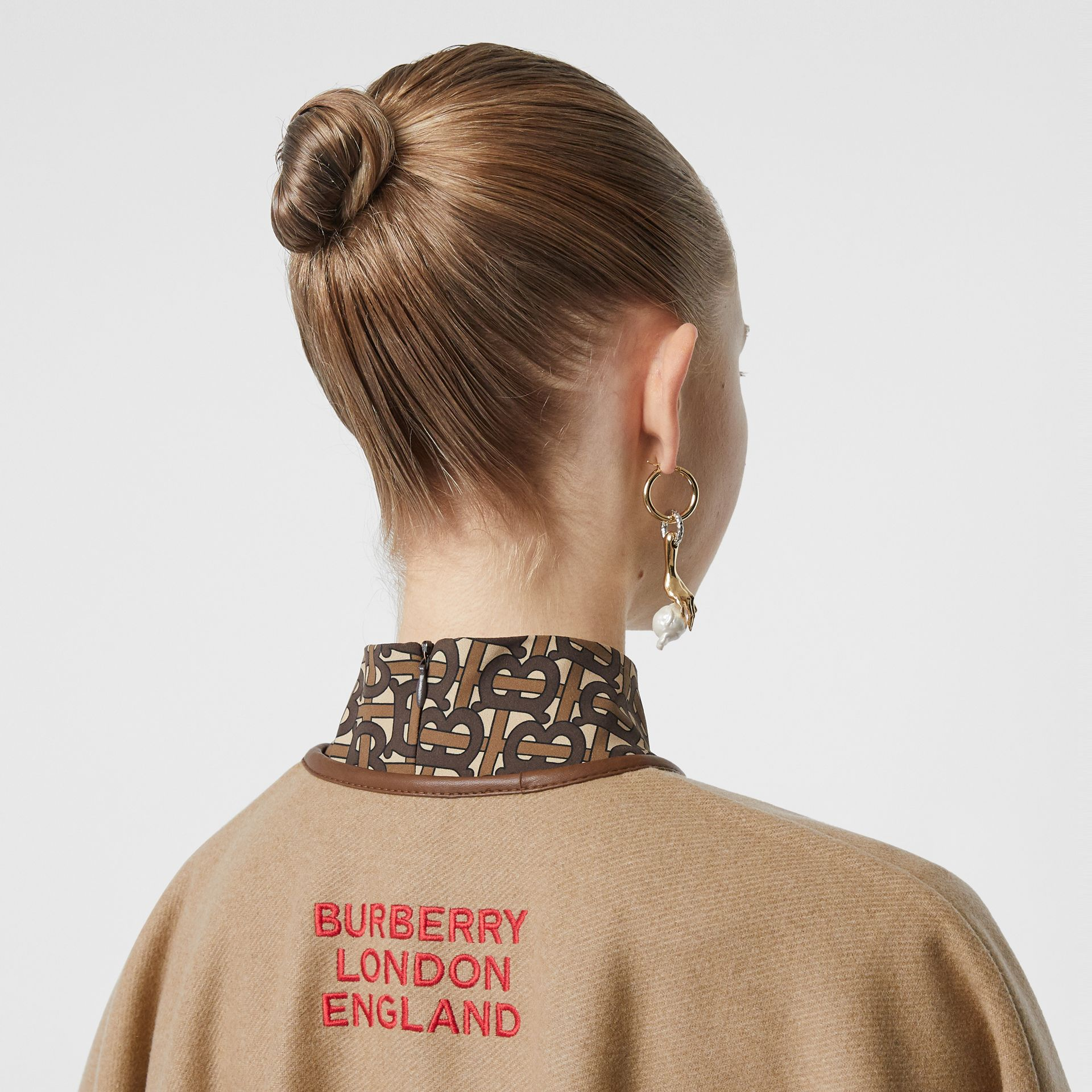 Lambskin Trim Double-faced Cashmere Cape in Camel | Burberry United Kingdom - gallery image 4