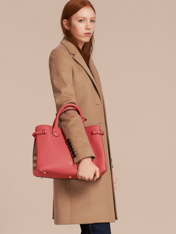 The Banner media in pelle con motivo House check (Rosso Cannella) - Donna | Burberry - cell image 2