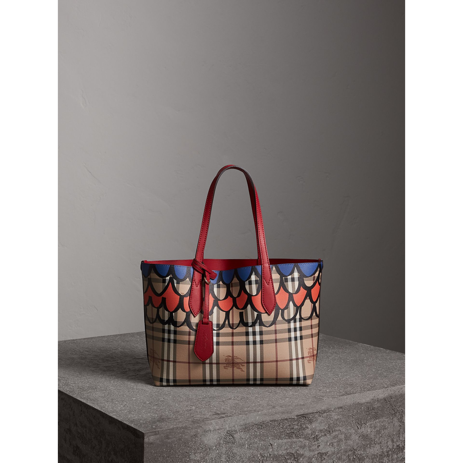 The Small Reversible Tote in Trompe L'oeil Print in Poppy Red - Women | Burberry - gallery image 1