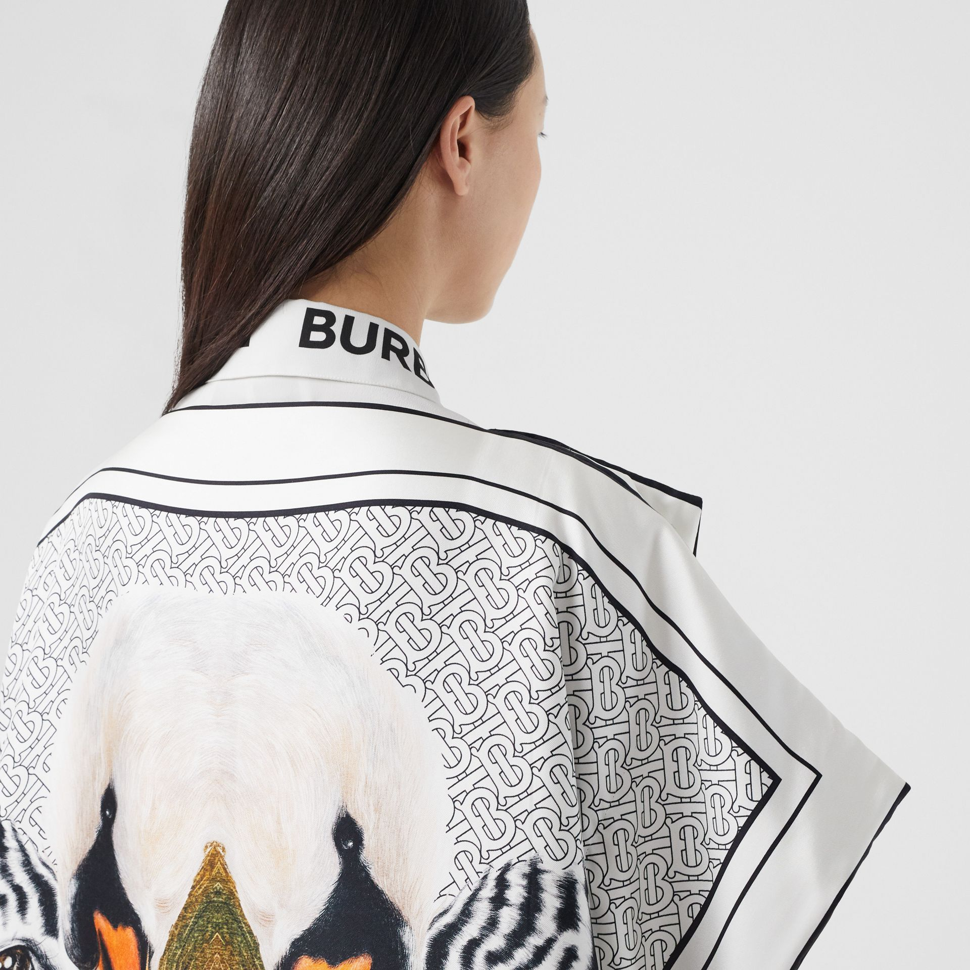 Animalia Print Silk Twill Cape in Multicolour - Women | Burberry United Kingdom - gallery image 5