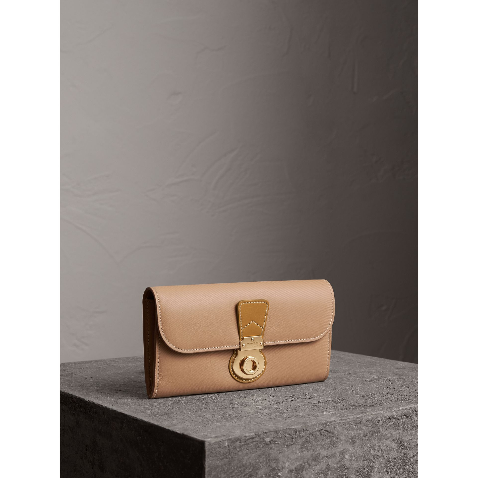 Two-tone Trench Leather Continental Wallet in Ochre Yellow/honey - Women | Burberry - gallery image 0
