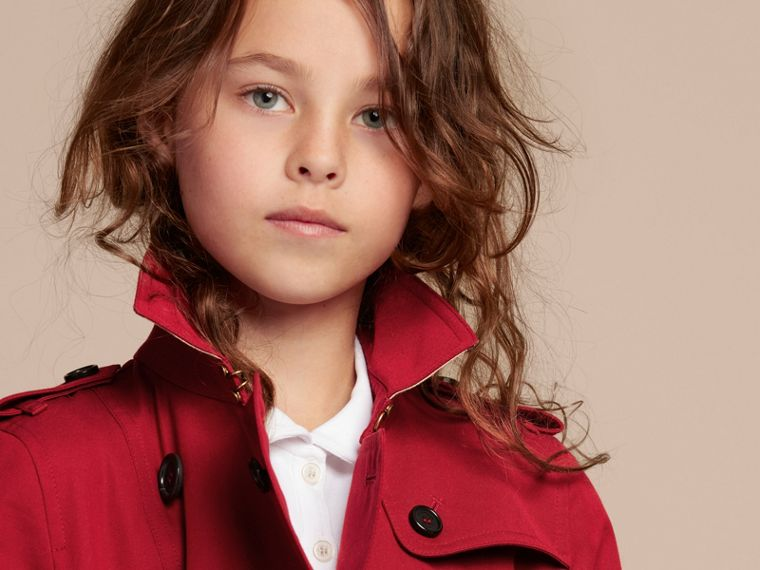 The Sandringham – Heritage Trench Coat in Parade Red - Girl | Burberry - cell image 1