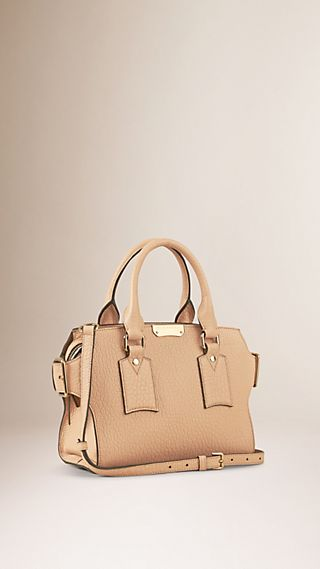 The Small Clifton in Signature Grain Leather Pale Apricot