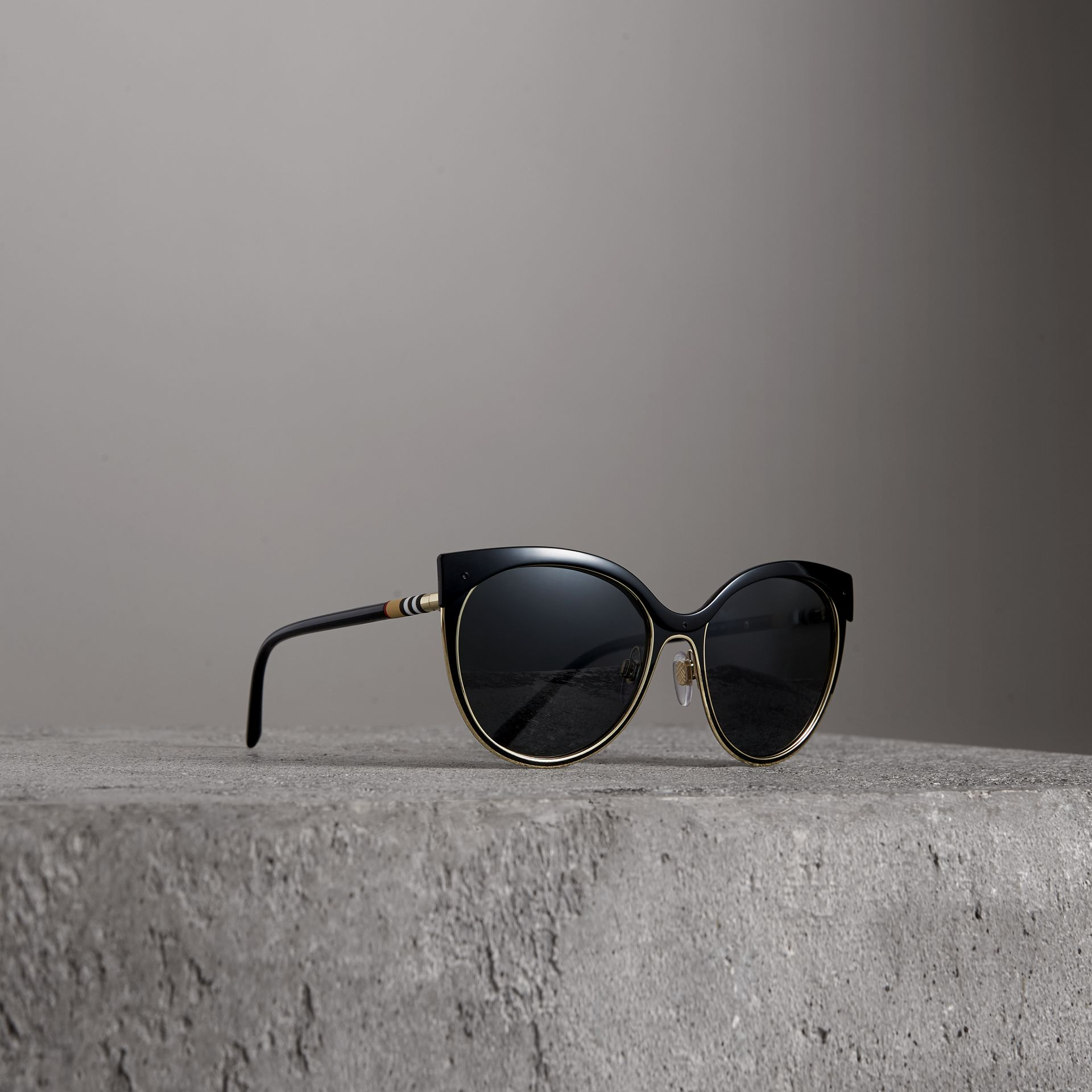Cat-eye Frame Sunglasses in Black - Women | Burberry United States - gallery image 0