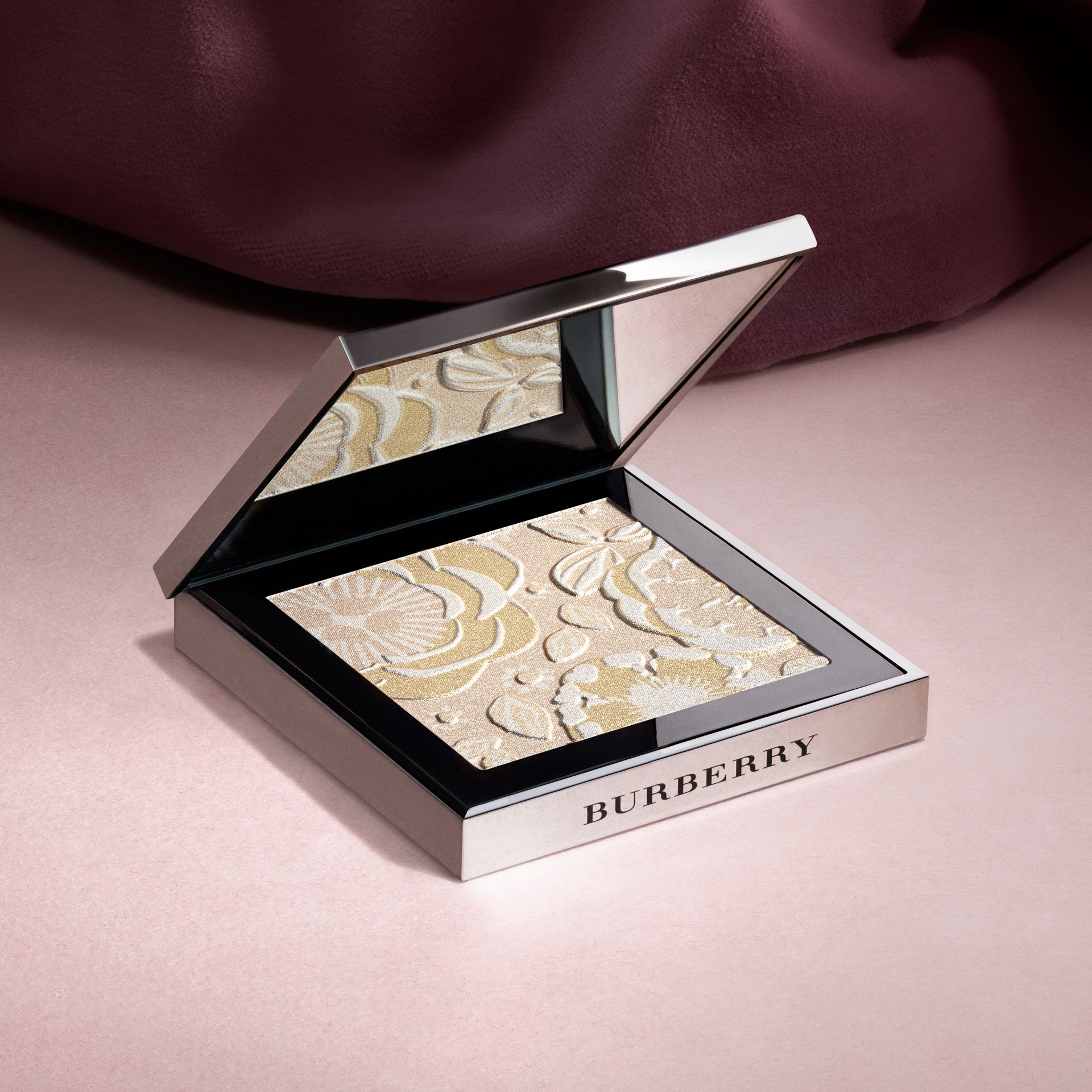 Gold The Runway Palette – Limited Edition - gallery image 4