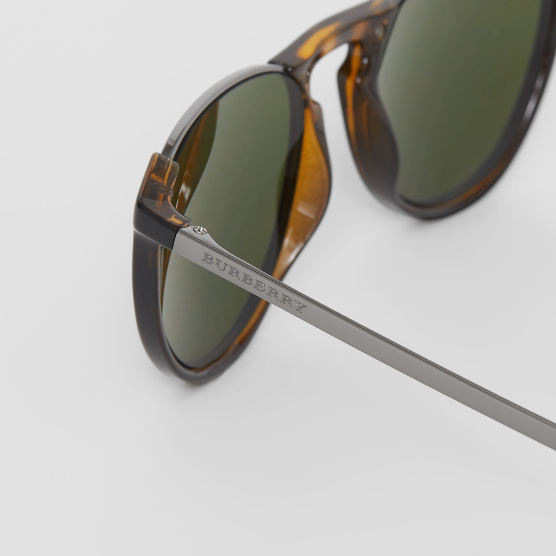 Keyhole Pilot Round Frame Sunglasses in Tortoise Shell - Men | Burberry - gallery image 1