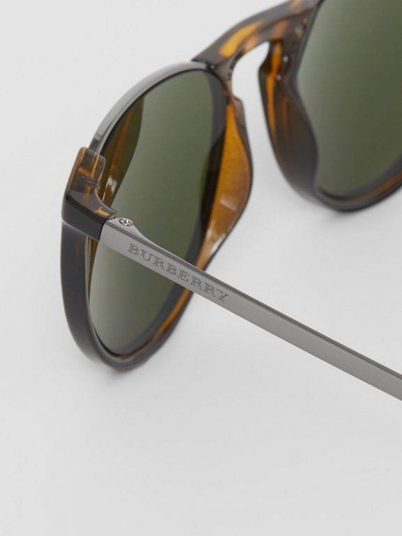 Keyhole Pilot Round Frame Sunglasses in Tortoise Shell - Men | Burberry - cell image 1