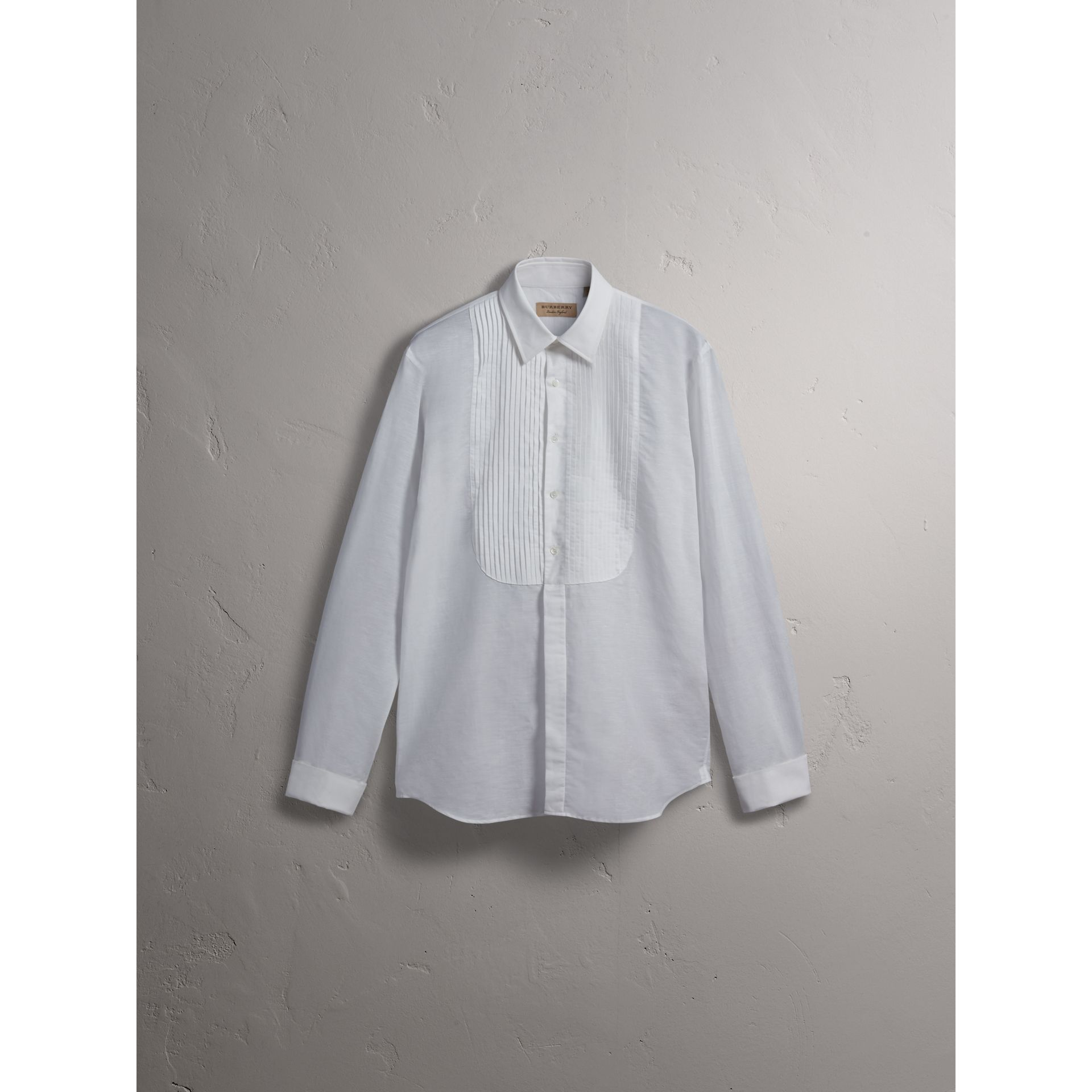 Modern Fit Linen Cotton Dress Shirt in White - Men | Burberry - gallery image 4