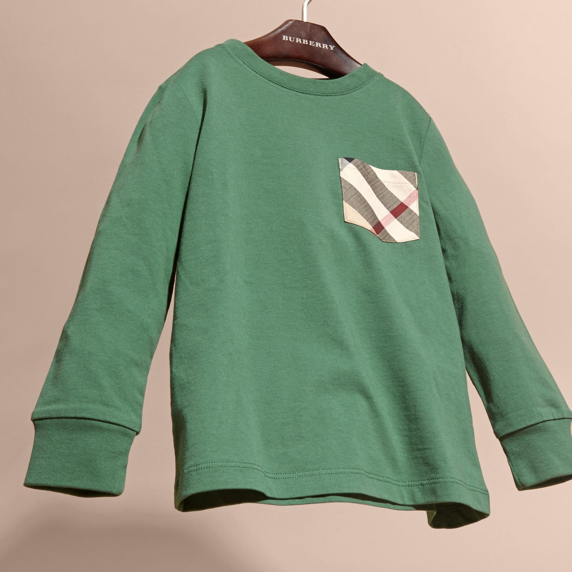 Vert forêt Haut en jersey de coton avec poche à motif check Vert Forêt - photo de la galerie 3