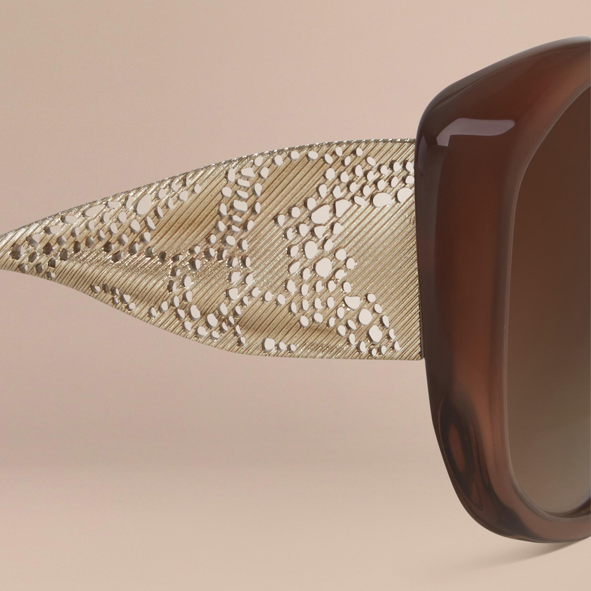 Ambra scuro Occhiali da sole con montatura quadrata collezione Gabardine Ambra Scuro - immagine della galleria 2