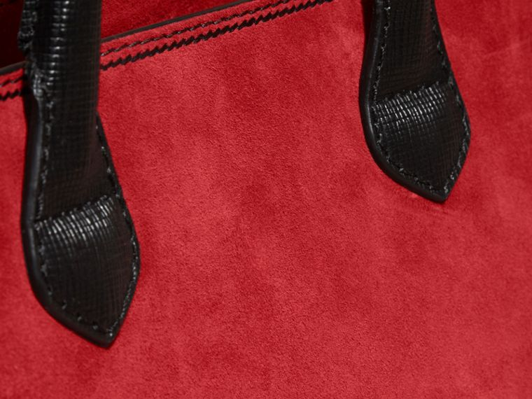 Parade red/ black The Medium Banner in Suede and House Check Parade Red/ Black - cell image 1