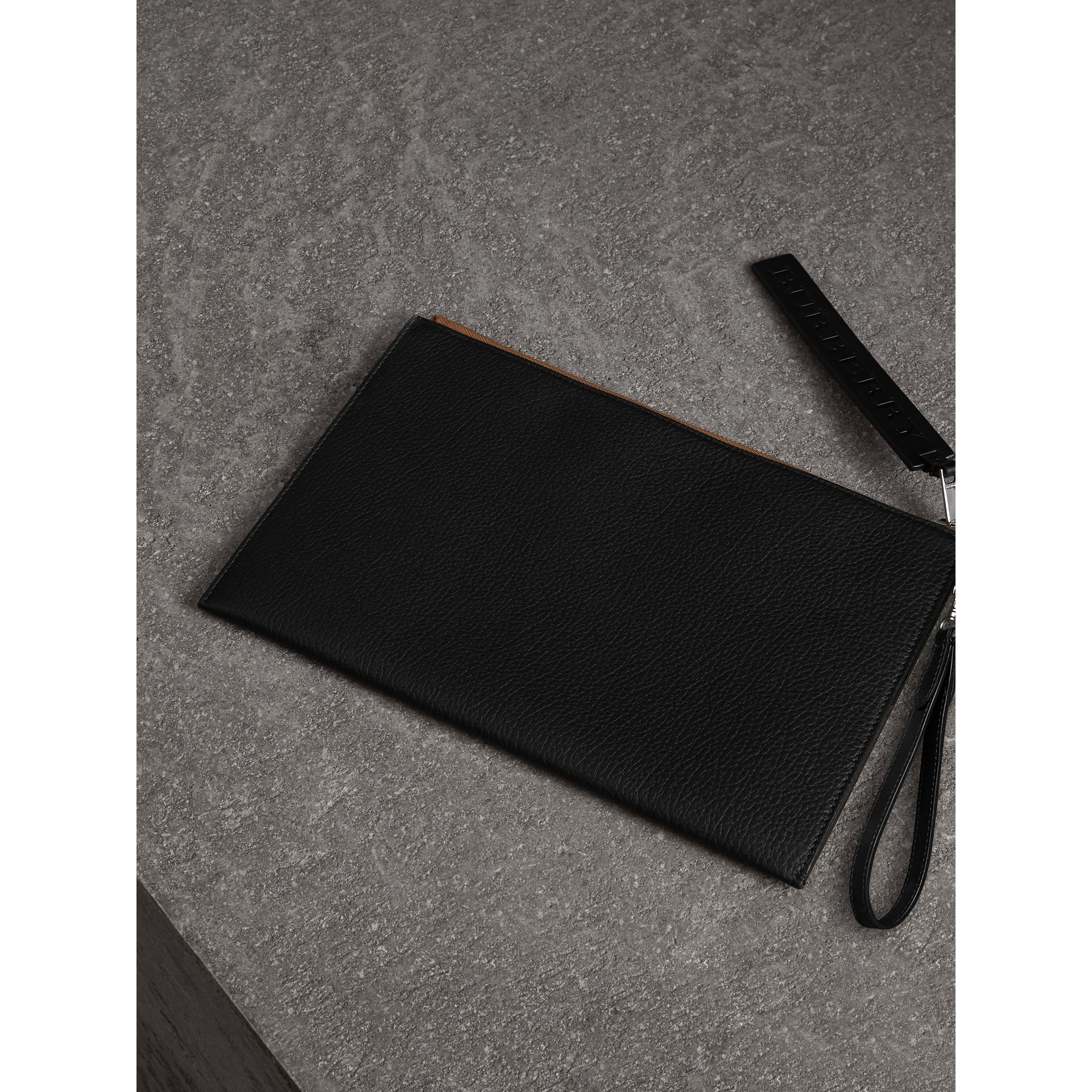 Grainy Leather Zip Pouch in Black | Burberry - gallery image 2