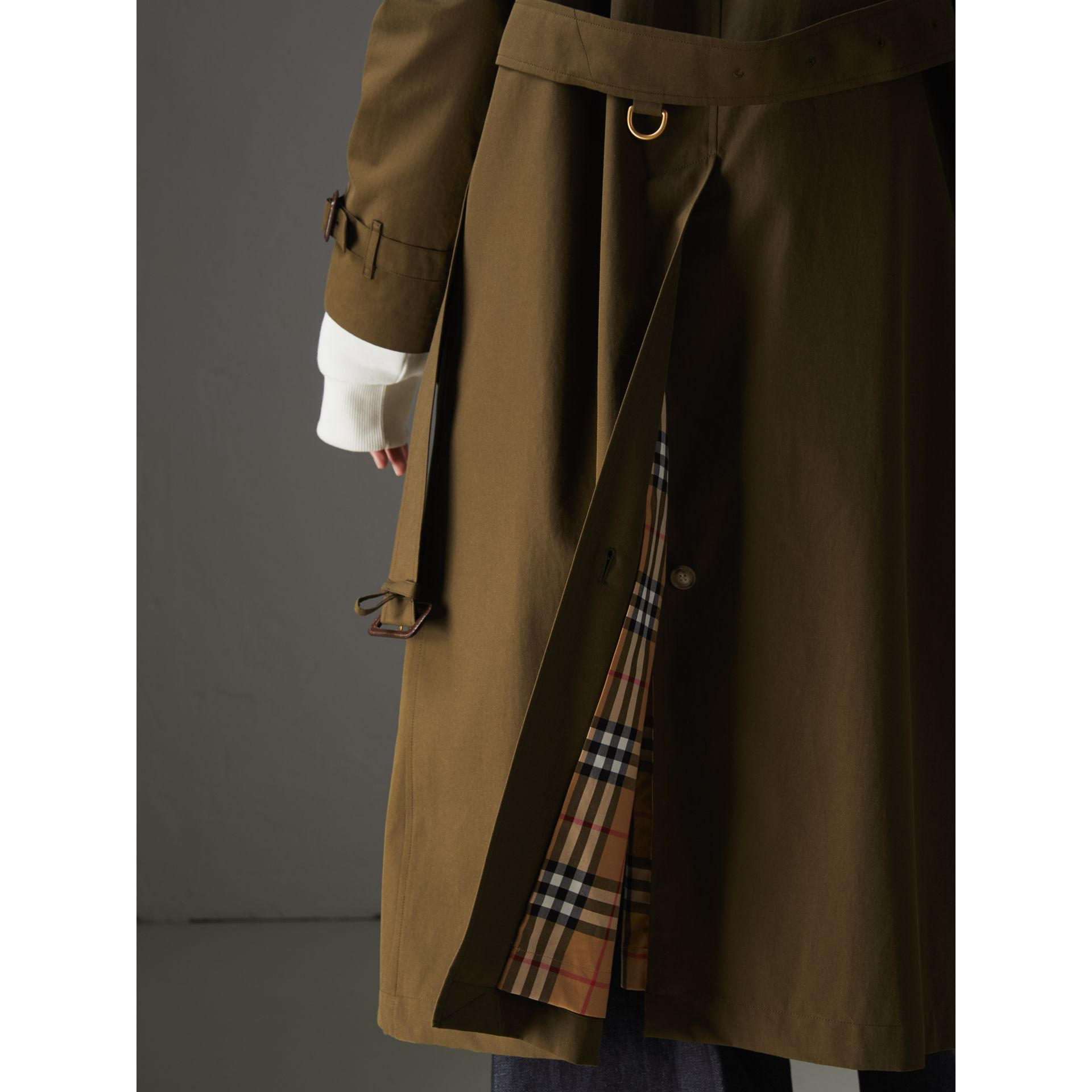 The Long Westminster Heritage Trench Coat in Dark Military Khaki - Women | Burberry - gallery image 6