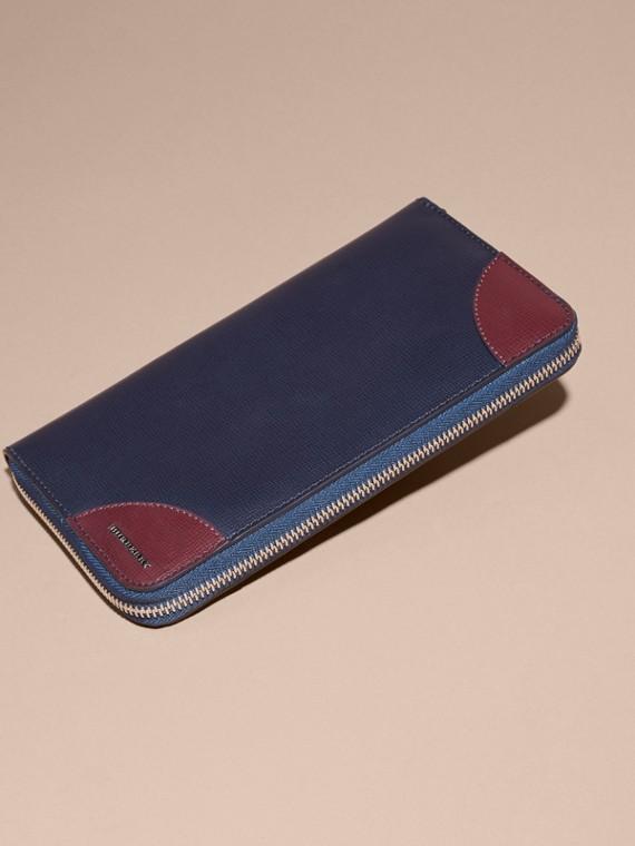 Contrast Corner London Leather Ziparound Wallet in Dark Navy - cell image 3