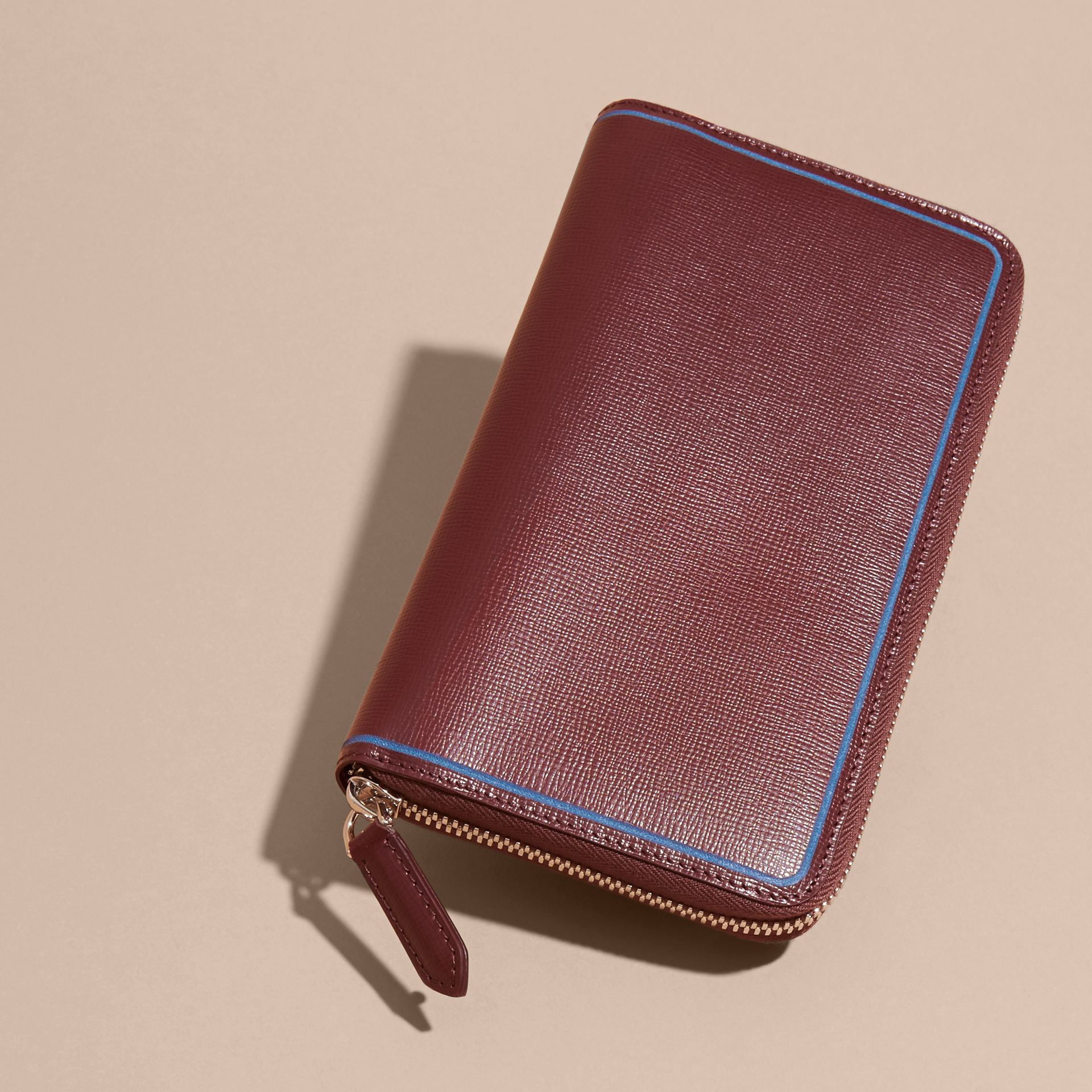 Border Detail London Leather Ziparound Wallet in Burgundy Red - gallery image 2