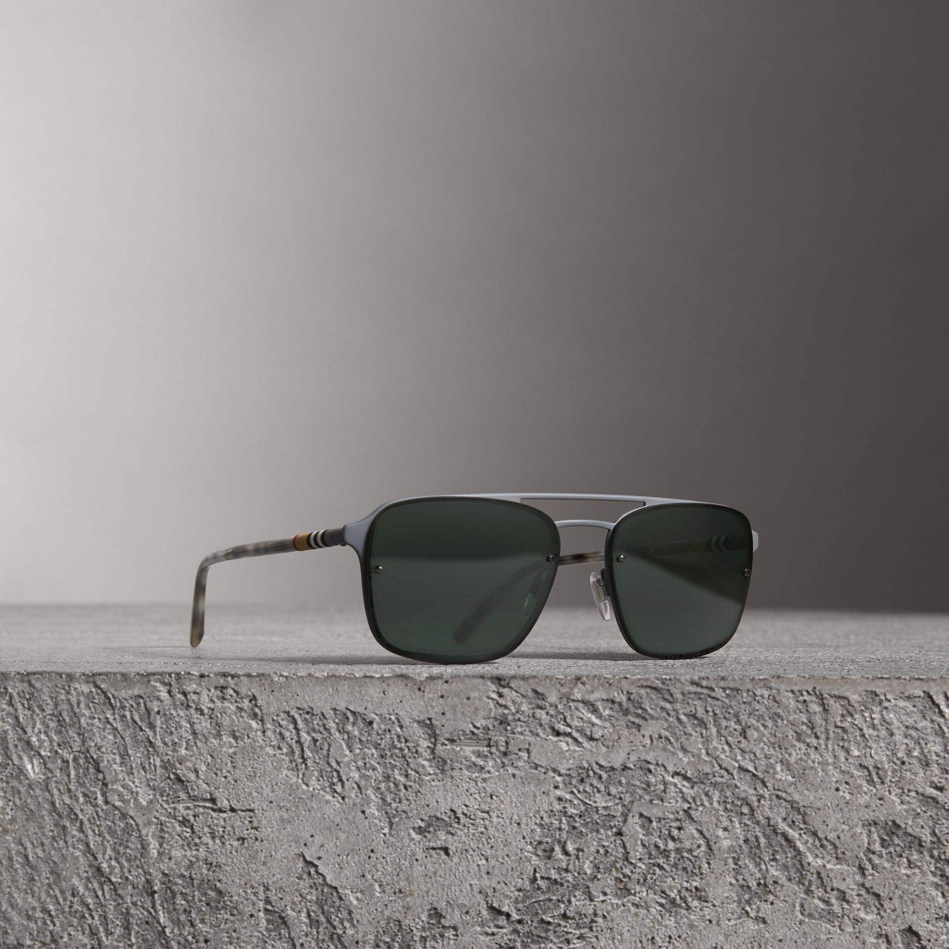 Square Frame Metal Sunglasses in Grey - Men | Burberry Hong Kong - gallery image 0