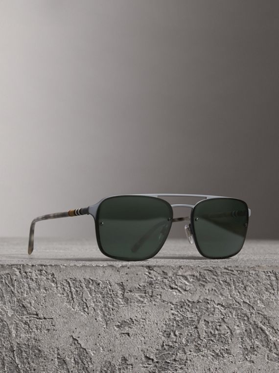 Square Frame Metal Sunglasses in Grey