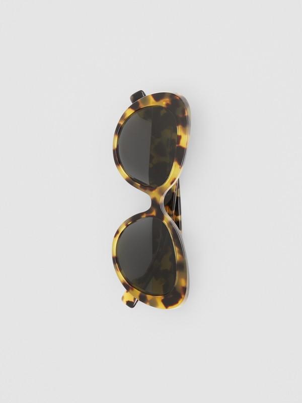 Monogram Motif Cat-eye Frame Sunglasses in Bright Tortoiseshell - Women | Burberry - cell image 3