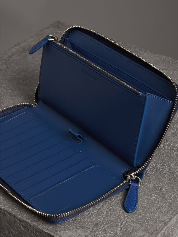 Grainy Leather Ziparound Wallet in Bright Ultramarine - Men | Burberry United States - cell image 3