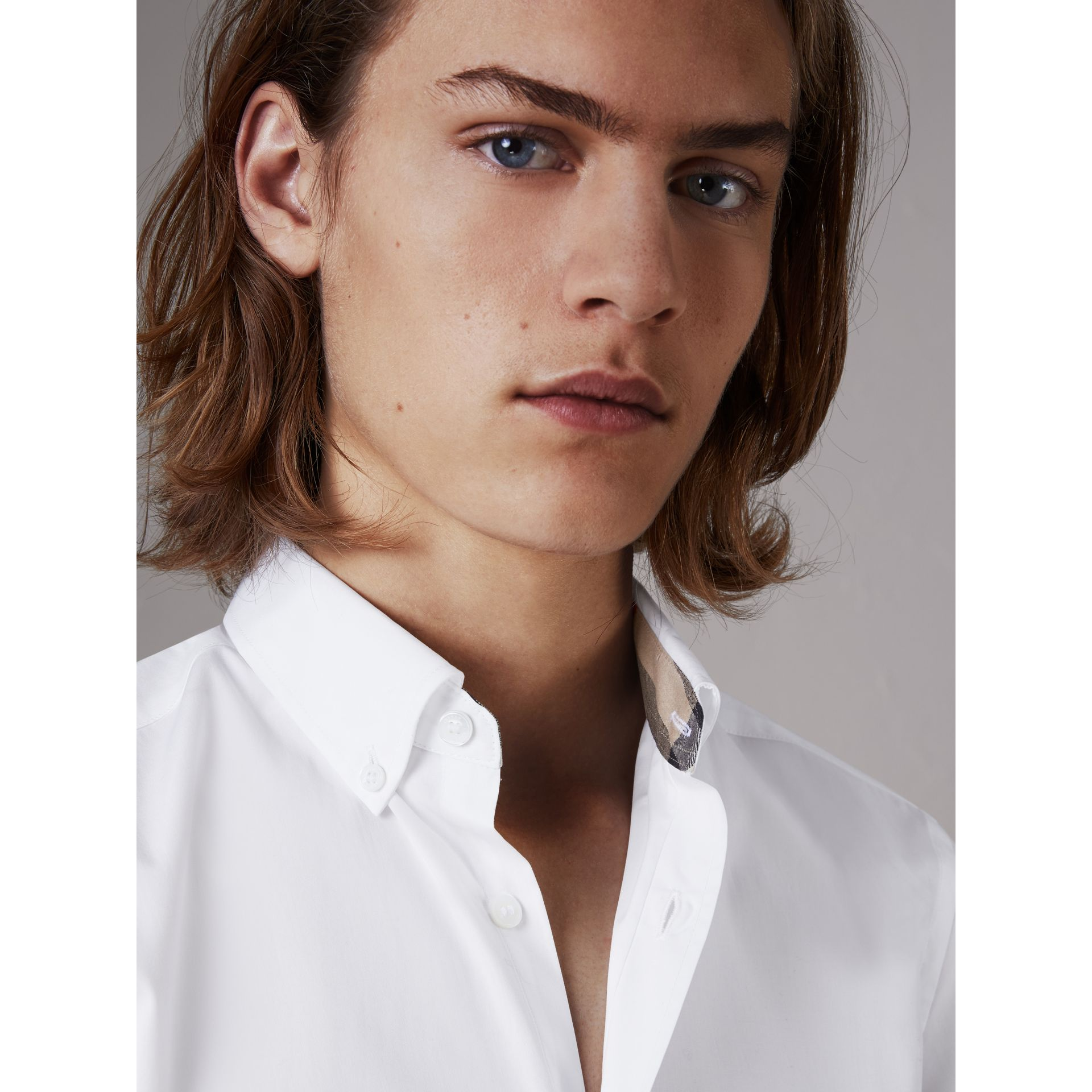 Short-sleeved Stretch Cotton Poplin Shirt in White - Men | Burberry United Kingdom - gallery image 1