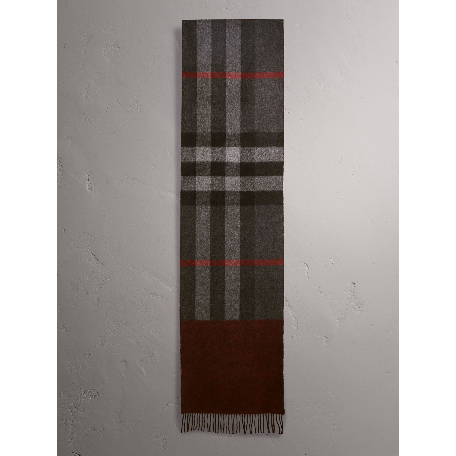 Reversible Check and Melange Cashmere Scarf in Charcoal | Burberry - gallery image 2