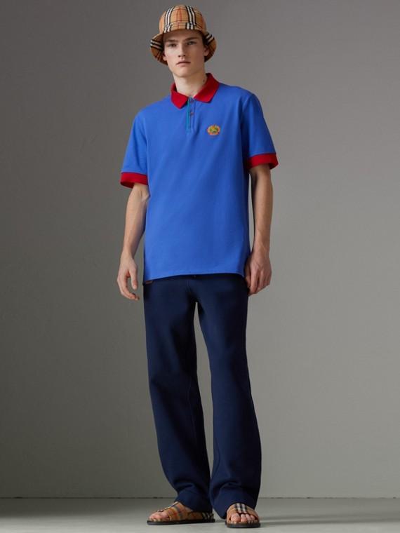 Poloshirt aus Baumwolle in einer Neuauflage (Kornblumenblau)