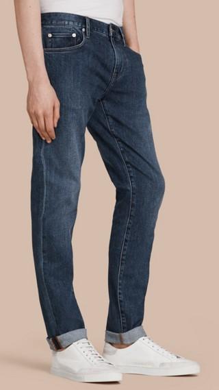 Calças jeans de ourela japonesa com corte slim