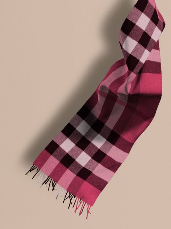 The Large Classic Cashmere Scarf in Check Fuchsia Pink