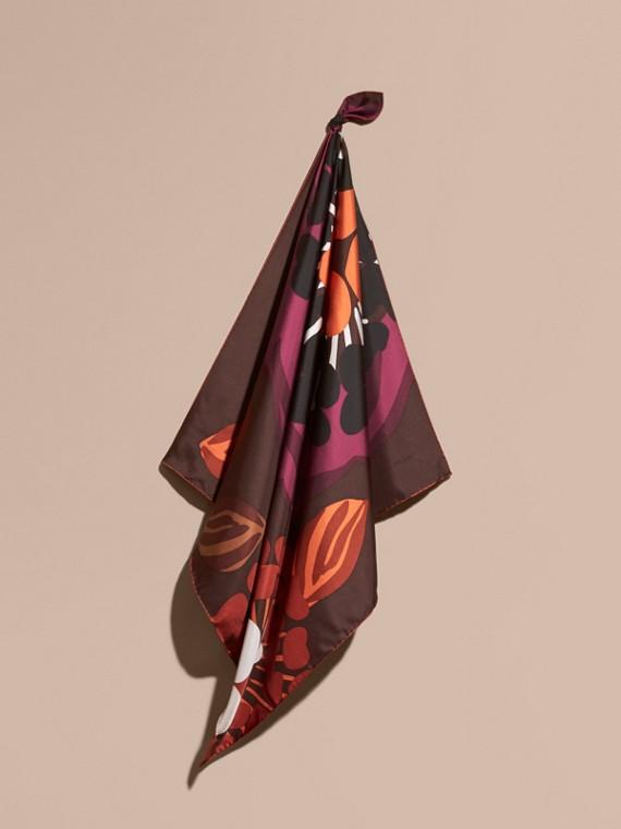 Karreeschal aus Seidentwill mit floralem Muster – Mittelgroß