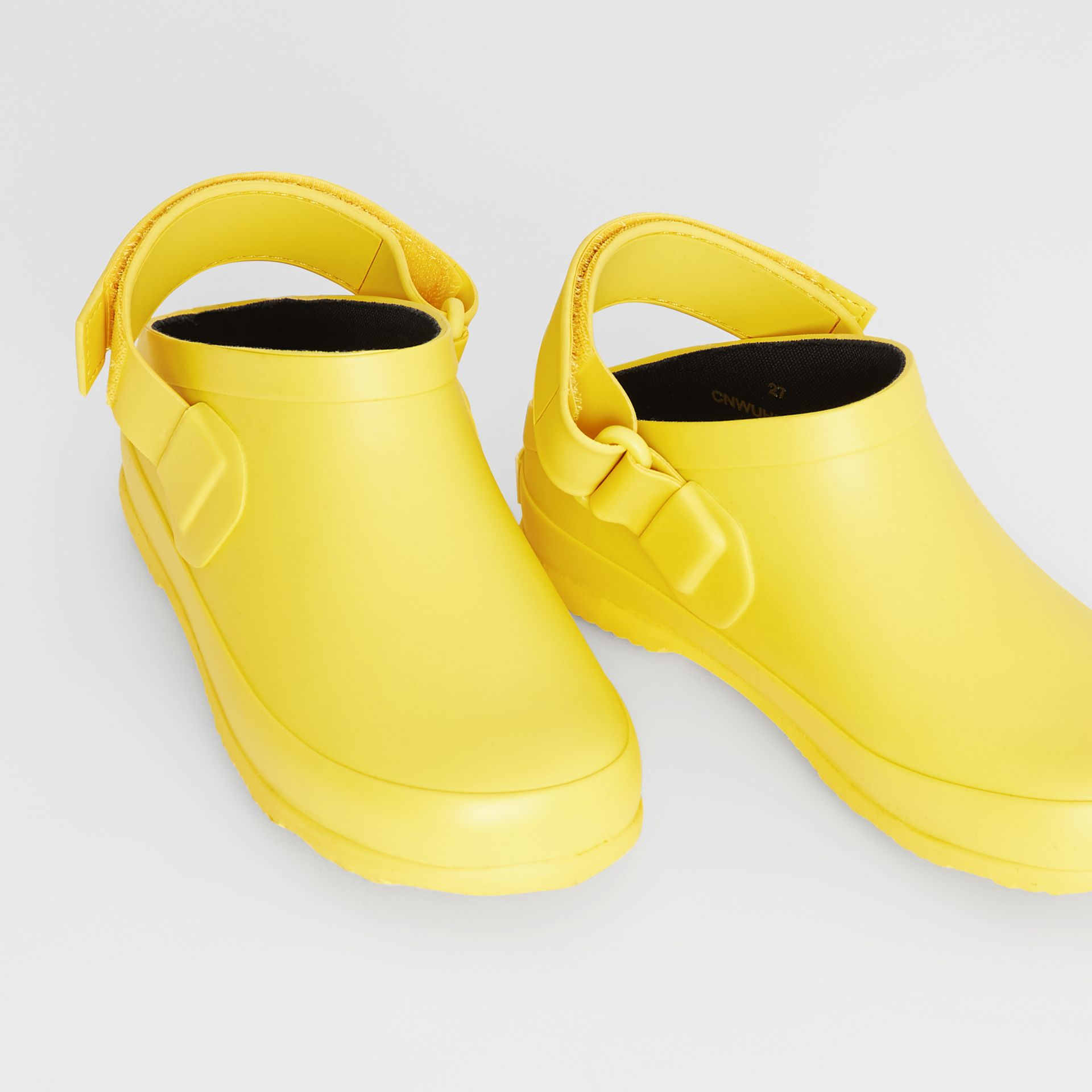 Check Detail Rubber Sandals in Citron - Children | Burberry United Kingdom - gallery image 1