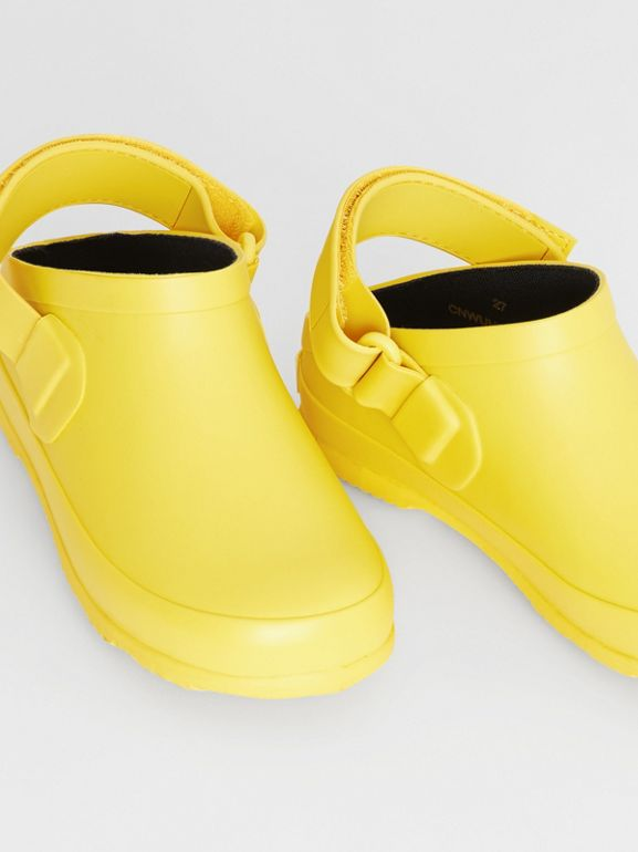 Check Detail Rubber Sandals in Citron - Children | Burberry - cell image 1