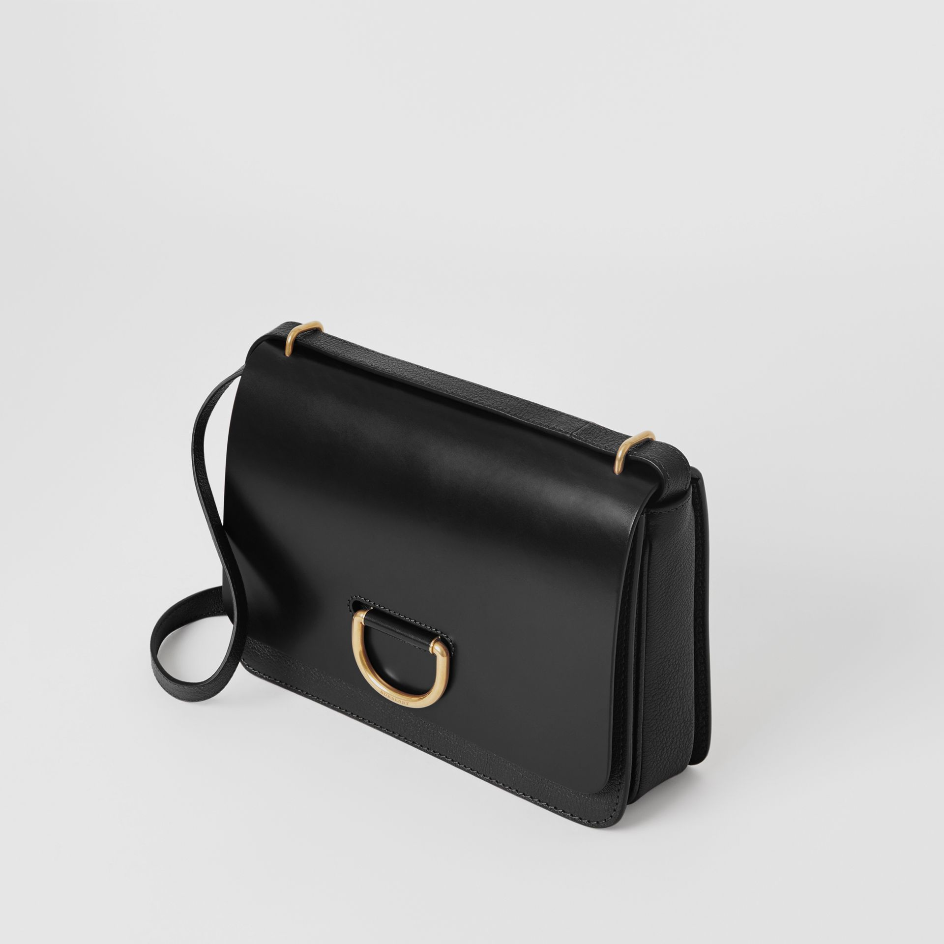The Medium Leather D-ring Bag in Black - Women | Burberry Singapore - gallery image 4