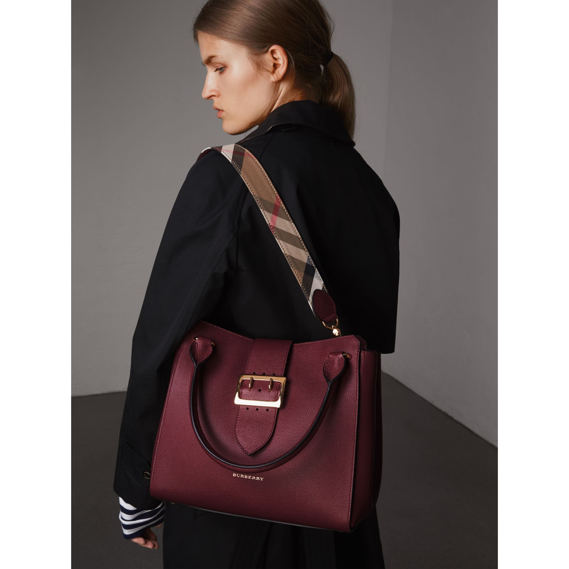The Medium Buckle Tote in Grainy Leather in Dark Plum - Women | Burberry Australia - gallery image 3