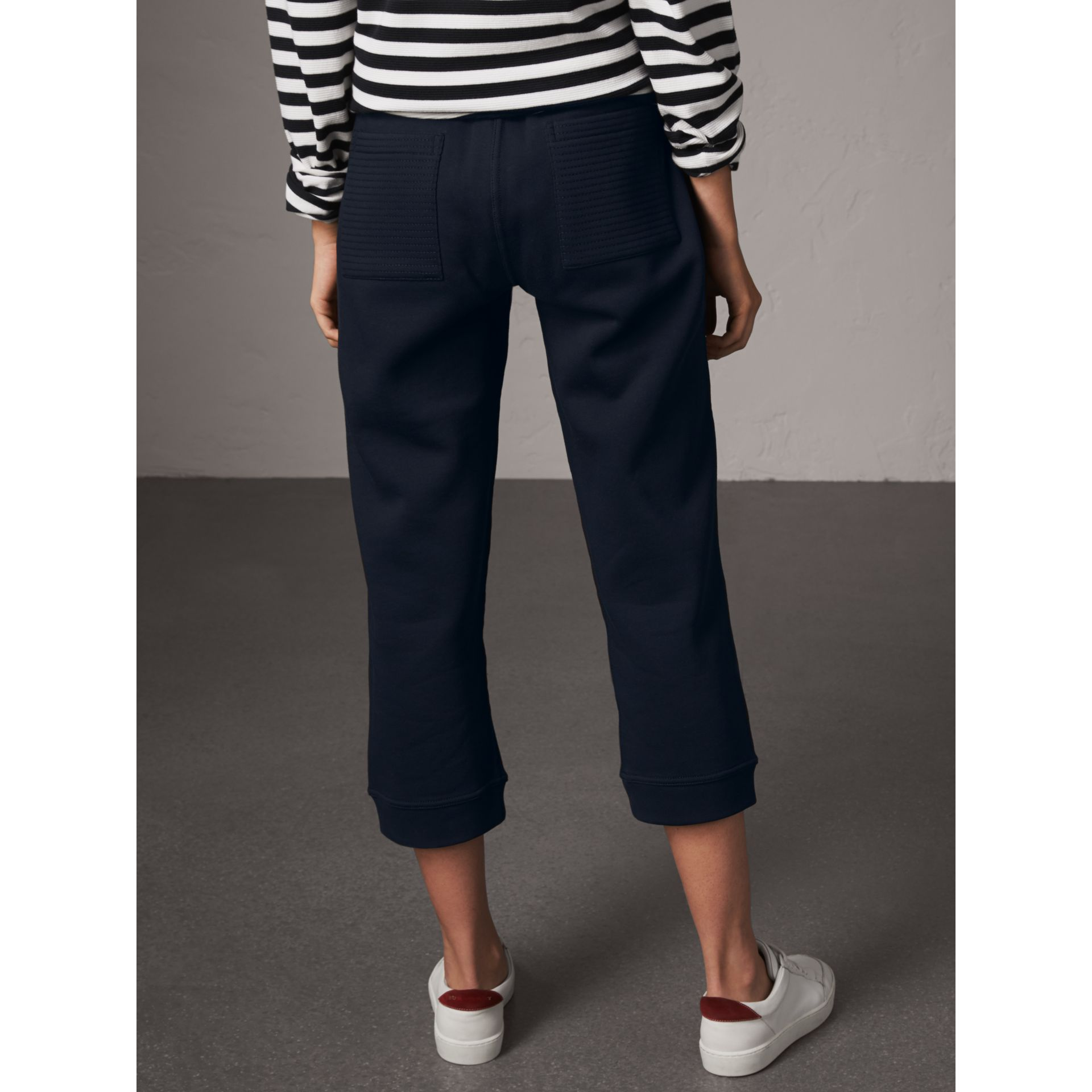Pantalon de survêtement 7/8 en jersey (Marine) - Femme | Burberry - photo de la galerie 3