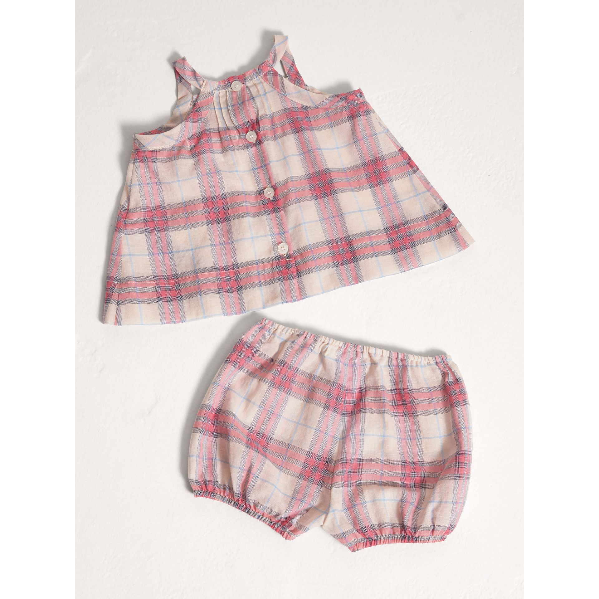 Check Cotton Two-piece Baby Gift Set in Bright Coral Pink | Burberry - gallery image 3