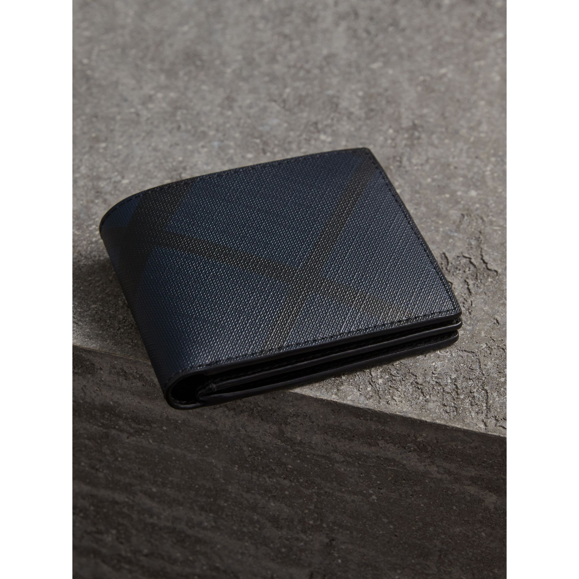 London Check International Bifold ID Coin Wallet in Navy/black - Men | Burberry - gallery image 3