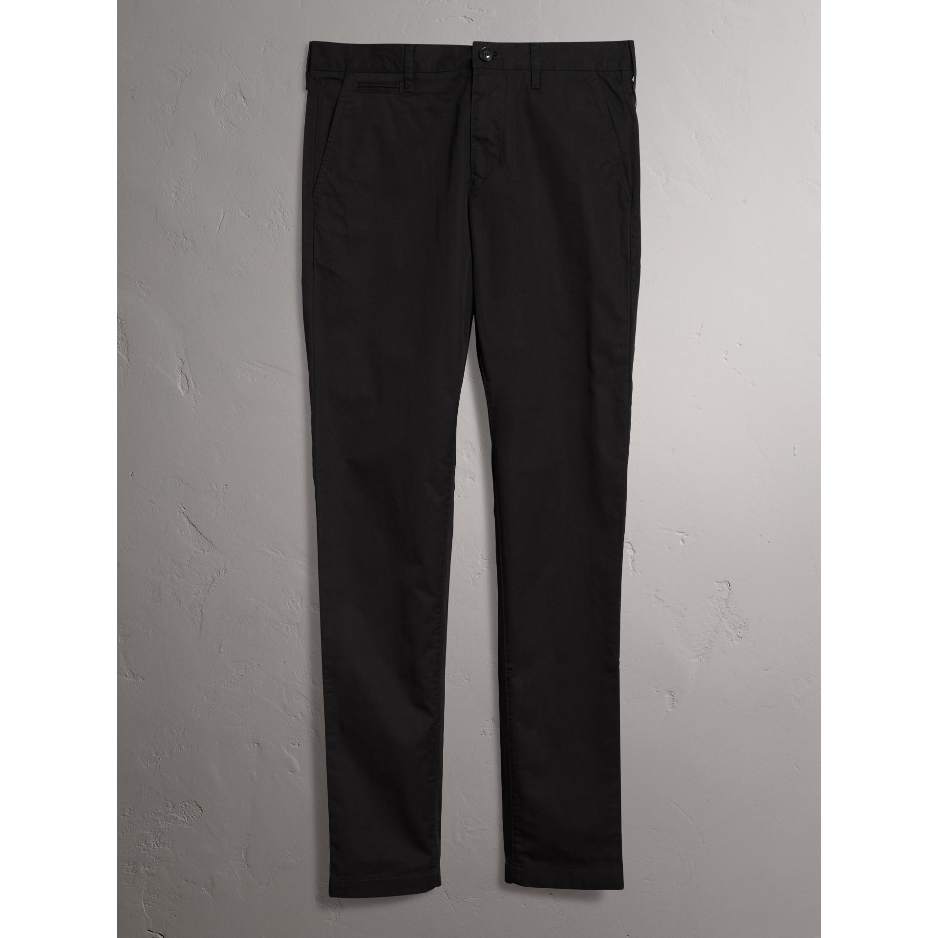 Chino aderenti in cotone (Nero) - Uomo | Burberry - immagine della galleria 4