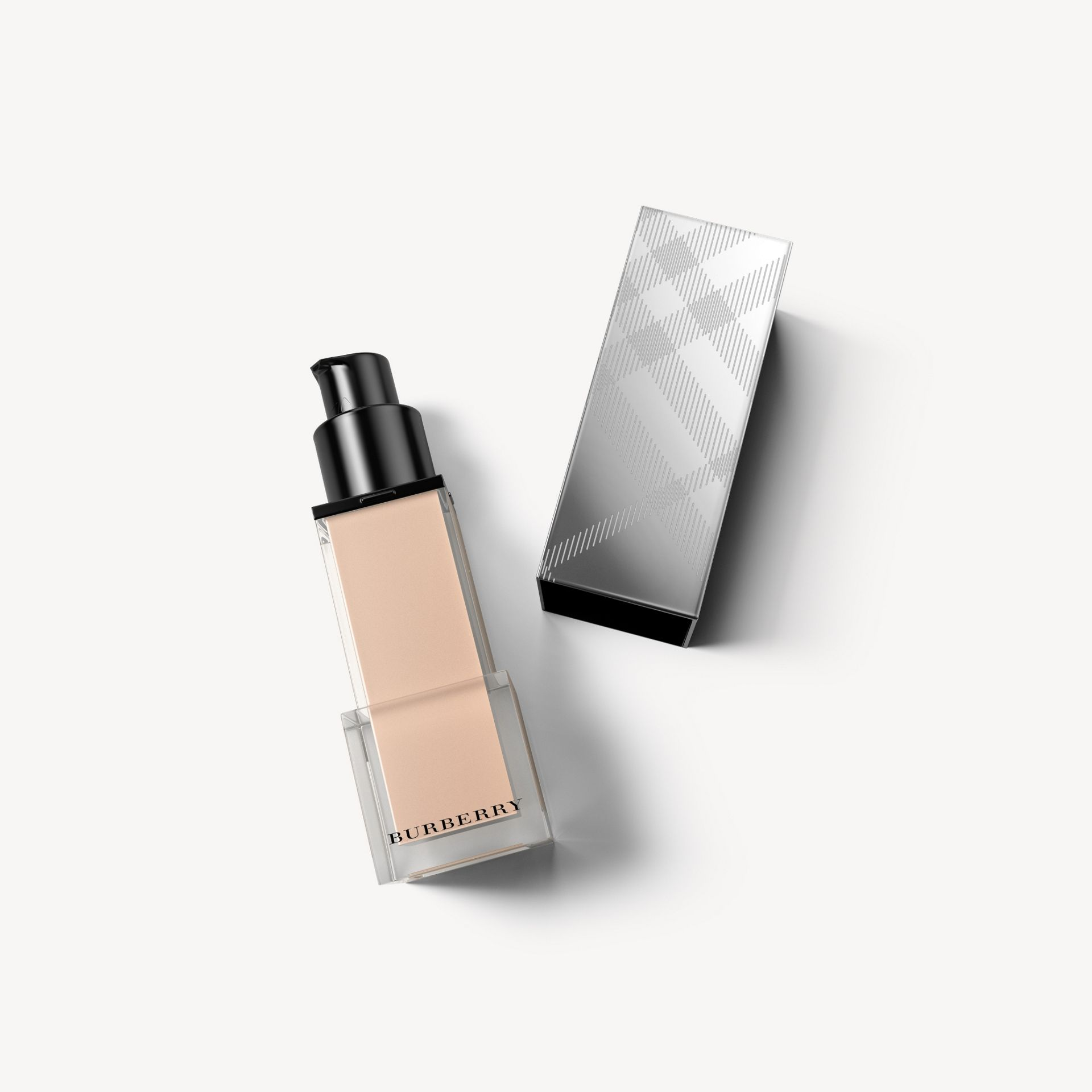 Fresh Glow Foundation Sunscreen Broad Spectrum SPF 12 – Porcelain No.11 - Women | Burberry - gallery image 0