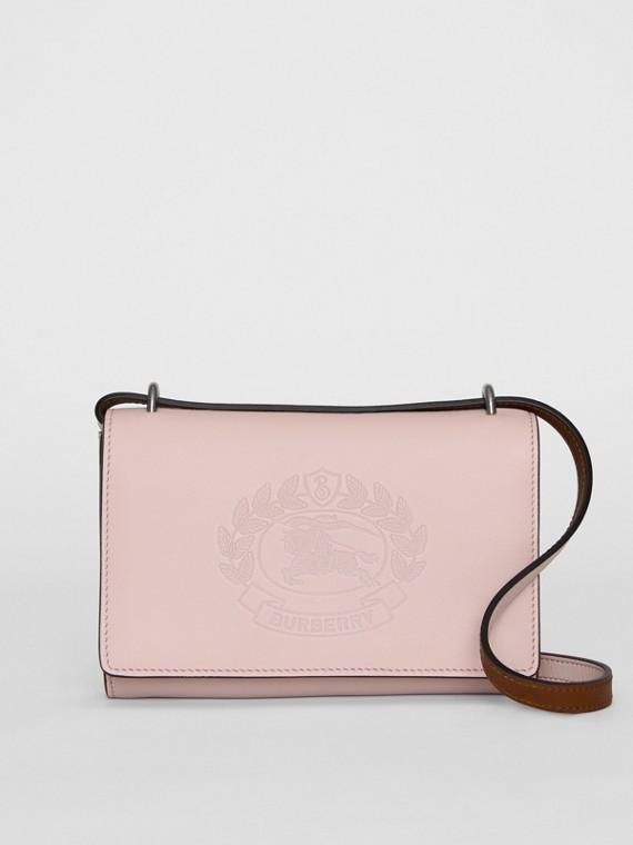 Carteira de couro com emblema bordado e alça removível (Rosa Giz)