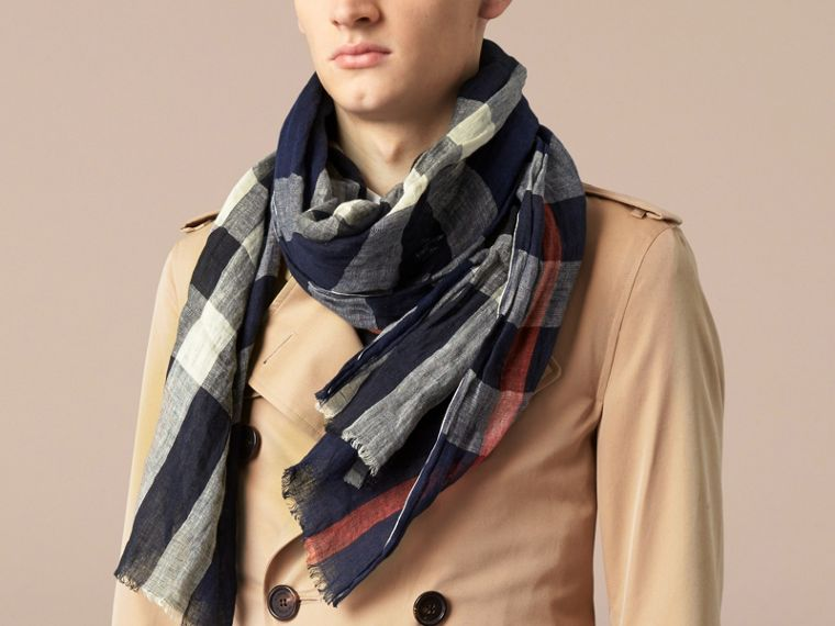 Navy check Check Linen Crinkled Scarf Navy - cell image 2
