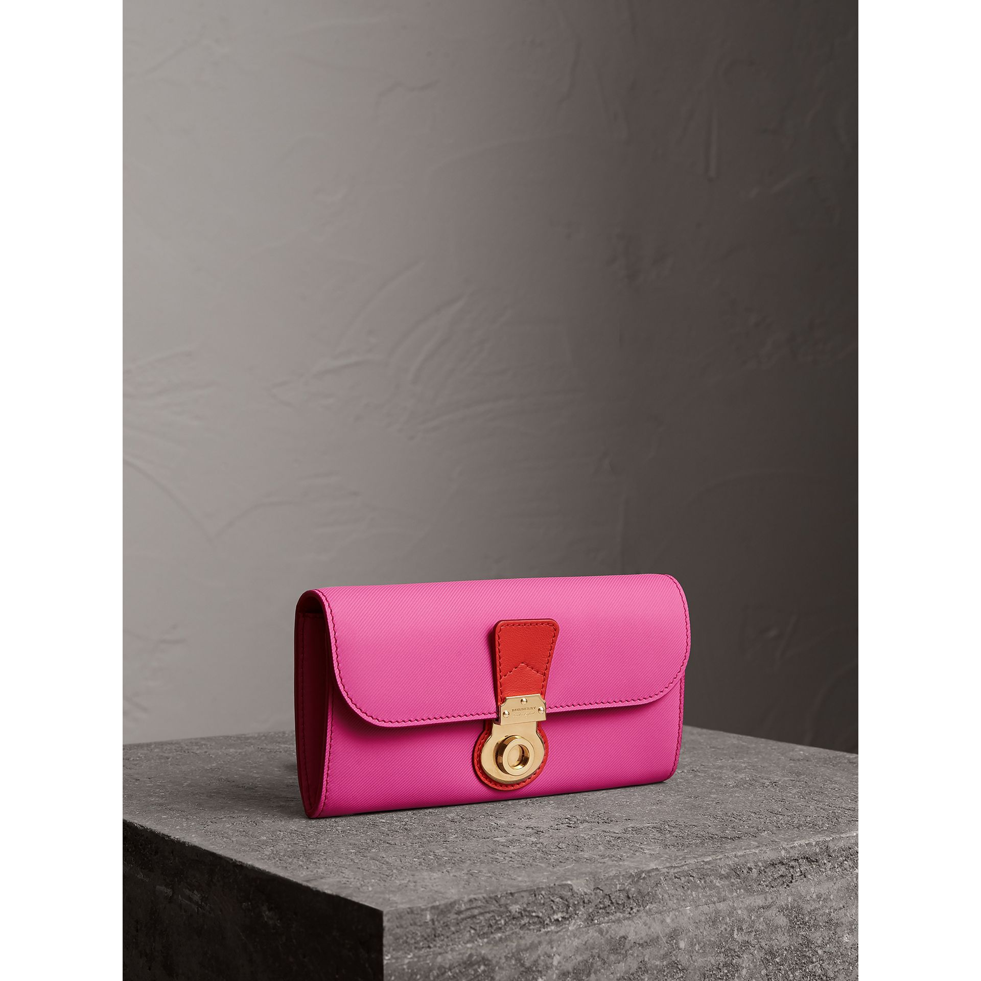 Two-tone Trench Leather Continental Wallet in Rose Pink/orange Red - Women | Burberry United Kingdom - gallery image 0
