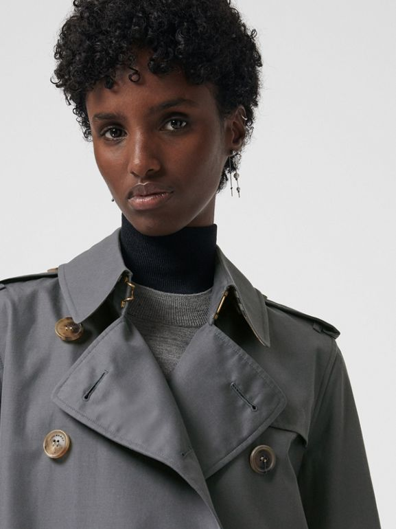 The Long Kensington Heritage Trench Coat in Mid Grey - Women | Burberry United Kingdom - cell image 1