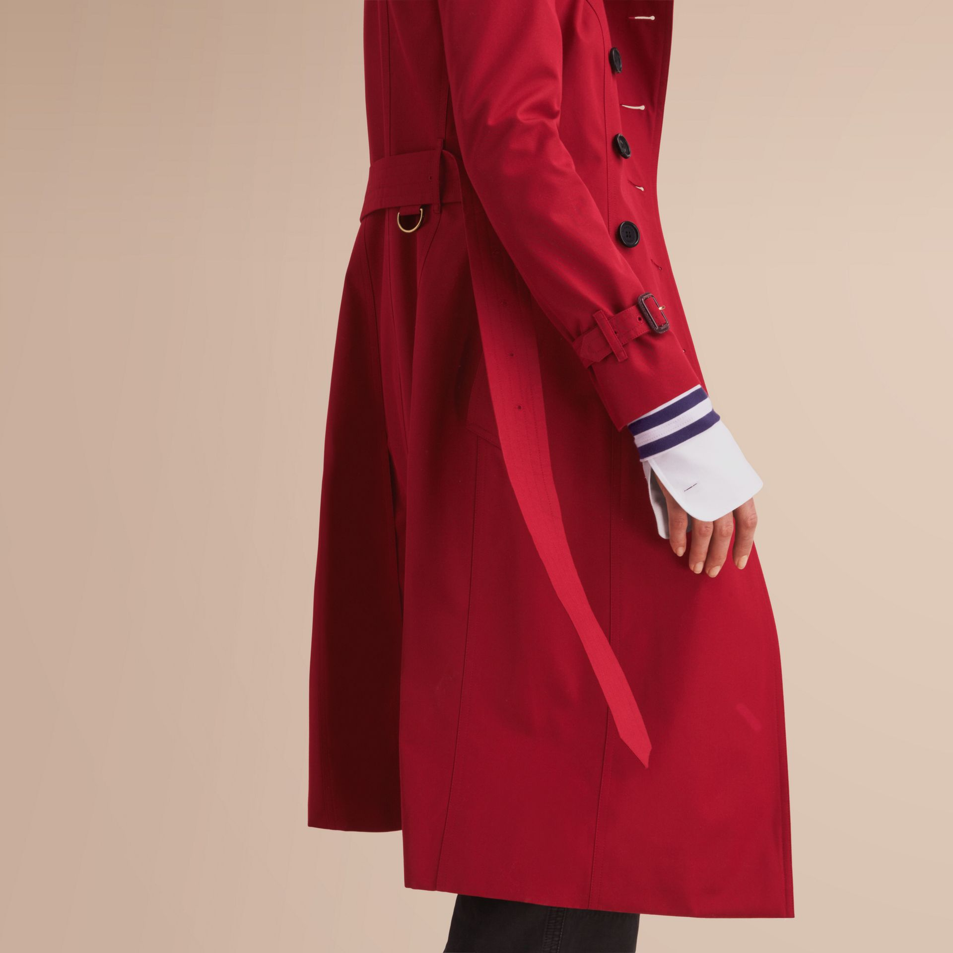The Chelsea – Extra-long Heritage Trench Coat in Parade Red - Women | Burberry - gallery image 5